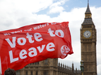 Vlag naast Big Ben: Vote to Leave