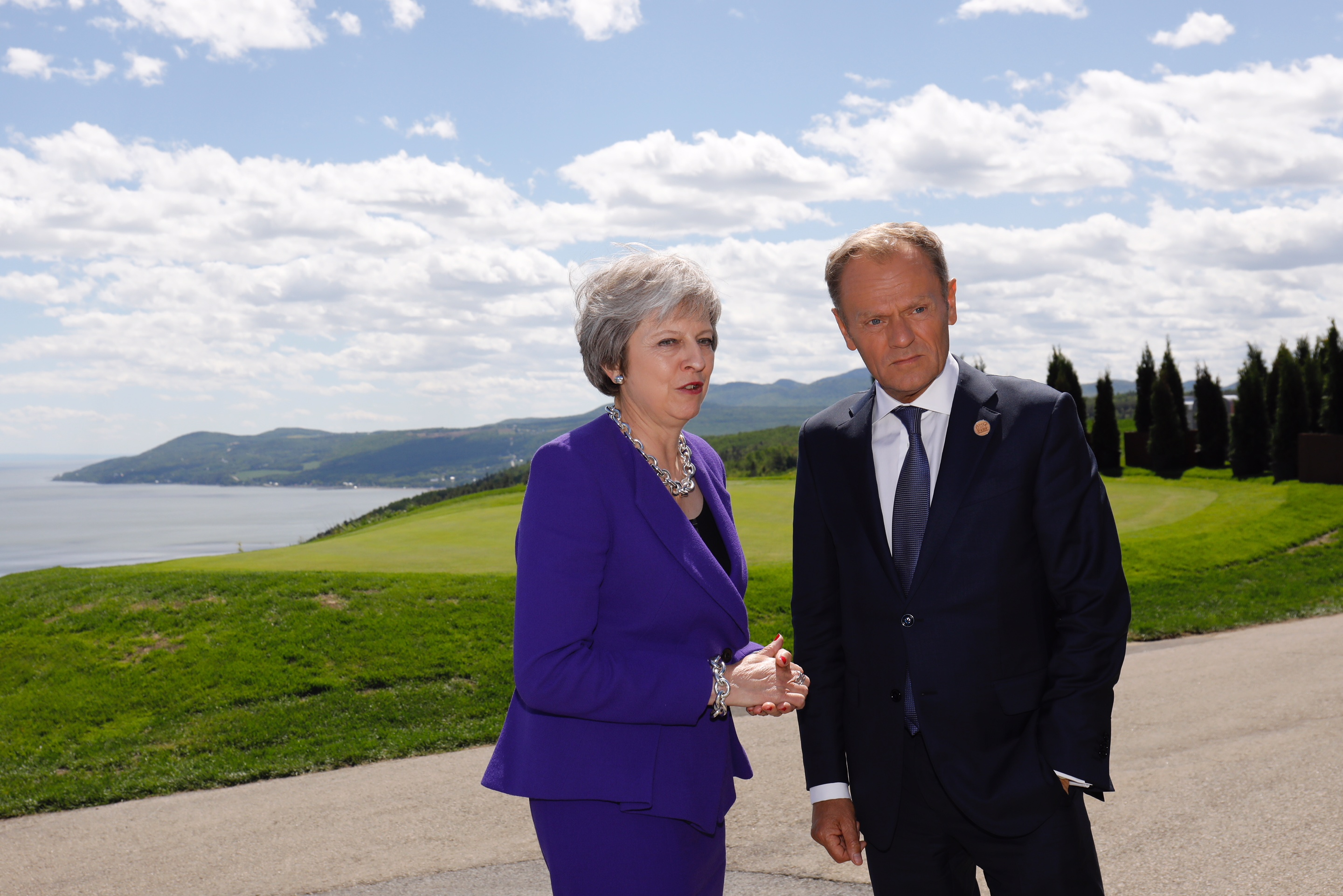 From left to right: Ms Theresa MAY, UK Prime Minister; Mr Donald TUSK, President of the European Council.
